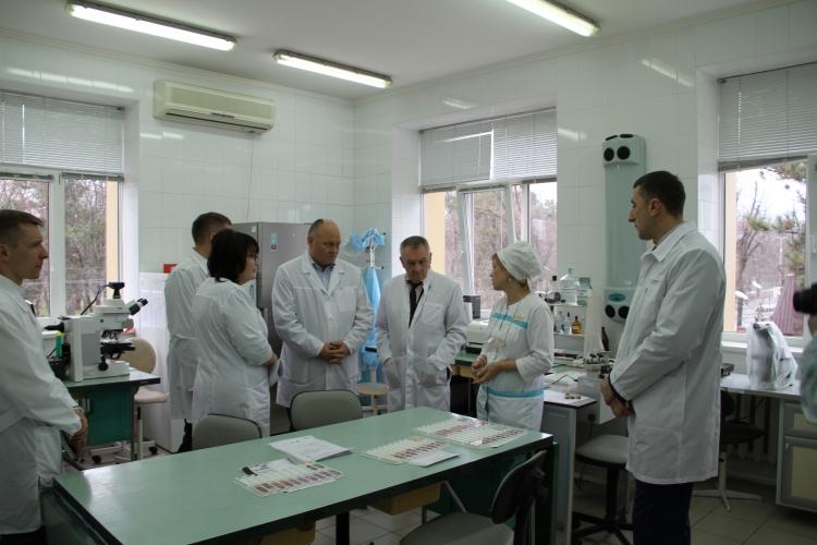 С рабочим визитом лабораторию посетили представители Совета Федерации России, министерства сельского хозяйства и перерабатывающей промышленности Краснодарского края, Южного межрегионального управления Россельхознадзора